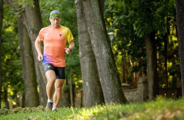 SMMASH za cel postawiło sobie wyposażyć sportowców w najlepszej jakości odzież treningową produkowaną w Europie.