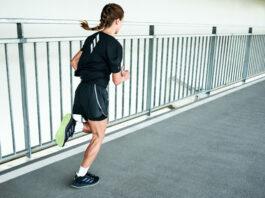 Półmaraton to dystans wymagający respektu. Warto dobrze się do niego przygotować. (na zdj. buty adidas 4DFWD)