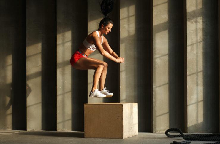 Ćwiczenia plyometryczne są bardzo ważny dla biegaczy.