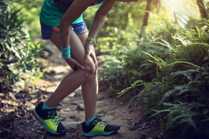Bezpośrednio po urazie więzadła krzyżowego przedniego odczuwamy bardzo silny ból, który dosyć szybko ustępuje.