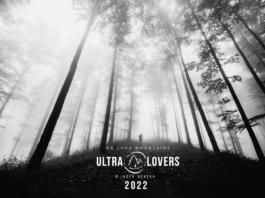 Okładka czarno-białego kalendarza od UltraLovers.