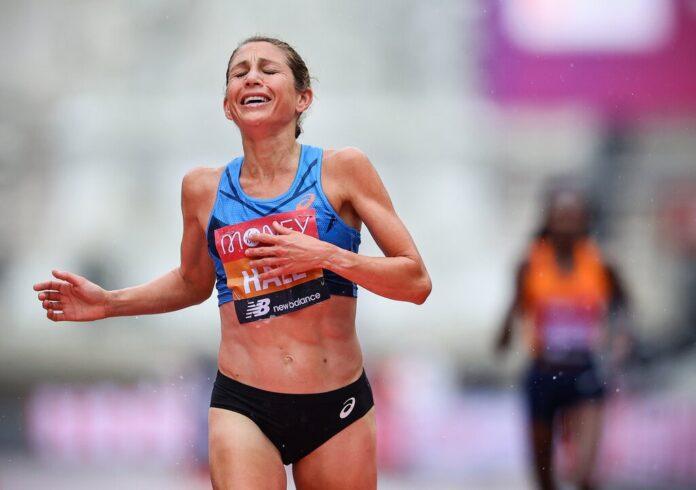 Sara Hall po ukończeniu maratonu w Londynie na 2. miejscu, zdj. Richard Heathcote